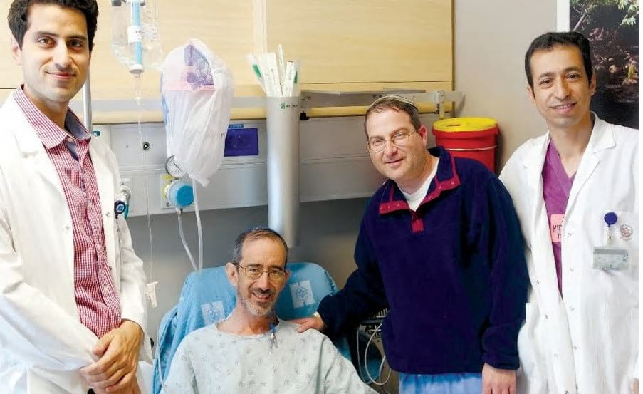 Dr. Moshe Halberstam donates a kidney to Miles Hartog